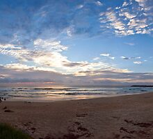 April Sunrise, Duranbah  by Odille Esmonde-Morgan
