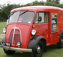 Royal mail van by Keith Larby