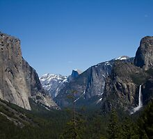 Yosemite Valley by ksanpei