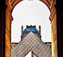 Musee du Louvre by J. Day