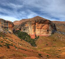 Sandstone cliffs by Rudi Venter