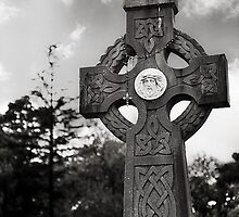 celtic cross.. by Michelle McMahon