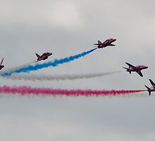 Red Arrows - Southend 2011 by TheWalkerTouch