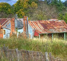 Dennington's Cottage, Hill End, NSW, Australia  by Adrian Paul