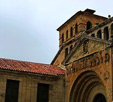 Colegiata de Santillana del Mar  (Santillana del Mar Collegiate Church), Spain by buttonpresser