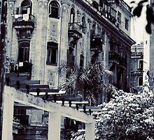 Crumblin' - Havana Vieja, Cuba by kaldis