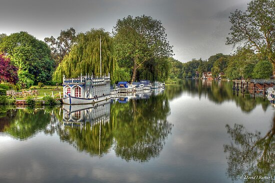 River Thames by David  Barker