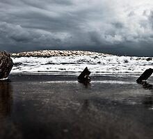 Brewing storm over the ocean by jordancantelo