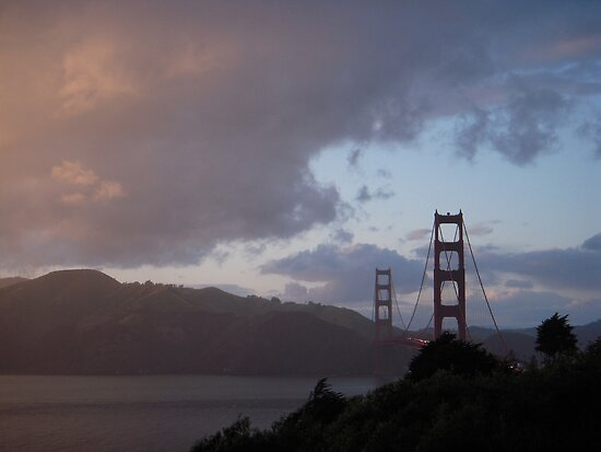 Golden Sunset/Golden Gate by Tama Blough