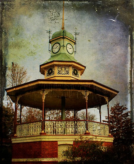 Band Rotunda by Margi