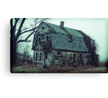 now the ravens rest in the roost Canvas Print