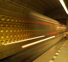 Prague Metro - The Train Arrives by SerenaB