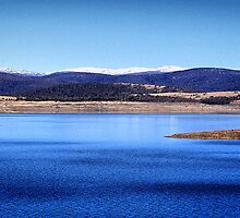Lake Eucumbene by sally williams