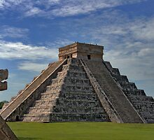 The Kukulcán Pyramid or El Castillo (The Castle) - Chichen Itza by gruntpig