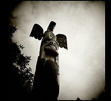 totem pole, butchart gardens, victoria, bc by scott hamilton