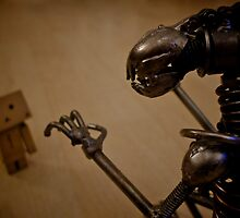 Alien Vs Danbo by jjwebber