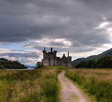 Kilchurn Castle  by Xandru