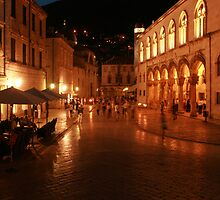 Dubrovnik at Night by danielrp1