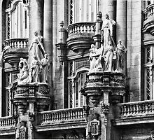Giuseppe Moretti sculptures on the Gran Teatro by Yukondick