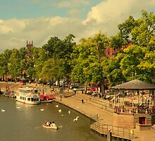River Dee, Chester from Queens Park Bridge. by PhillipJones