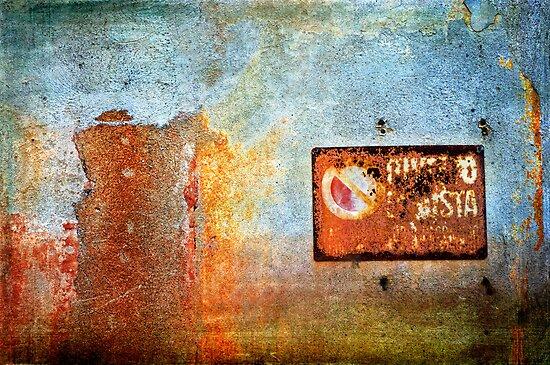 Divieto di sosta - No parking here by Silvia Ganora