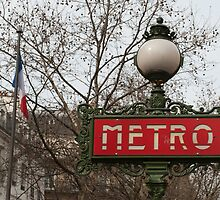 Le Metro, Paris. by vassiliadisk