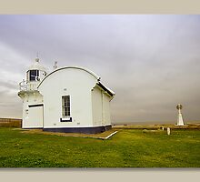 crowdy head light house by kevin chippindall