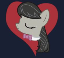 I have a crush on... Octavia by Stinkehund