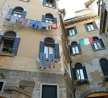 Venetian Washing Day by joycee