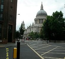 London: Famous Buildings: St Paul's Cathedral -(270611)- Digital photo by paulramnora