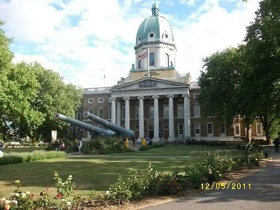London: Famous Buildings: Imperial War Museum -(120511)- Digital photo by paulramnora