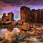 Cathedral rocks at Bombo by Kounelli