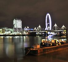 London eye and the Hungerford bridge by Shehan Fernando