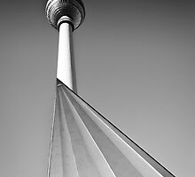 berlin fernsehturm iv by Christian Rudat