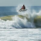 Kelly Slater vs. Owen Wright by andytechie