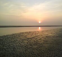 Sunset on Camber Sands by lisaclair