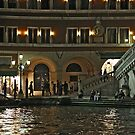 Night promenade at Rialto by Luisa Fumi