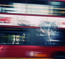 London Bus by Photofreaks