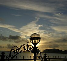 Light and lamp, Llandudno by lezvee
