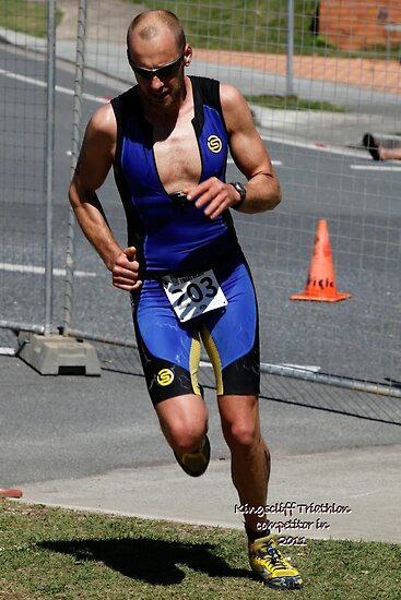 Kingscliff Triathlon 2011 Run leg C0150 by Gavin Lardner