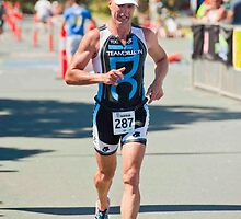 Kingscliff Triathlon 2011 finish line B6376 by Gavin Lardner