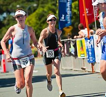 Kingscliff Triathlon 2011 finish line B6434 by Gavin Lardner