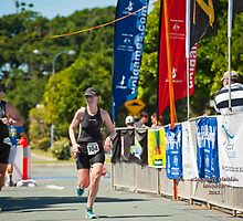 Kingscliff Triathlon 2011 finish line B6520 by Gavin Lardner