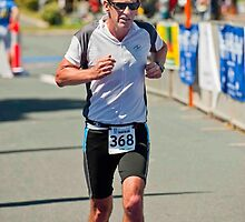 Kingscliff Triathlon 2011 finish line B6579 by Gavin Lardner