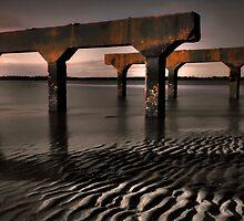 Beach Litter by GeoffSporne