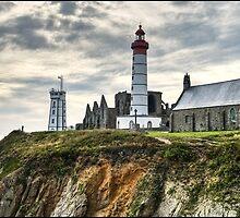 Lighthouse Pointe Saint Matthew by jean-jean