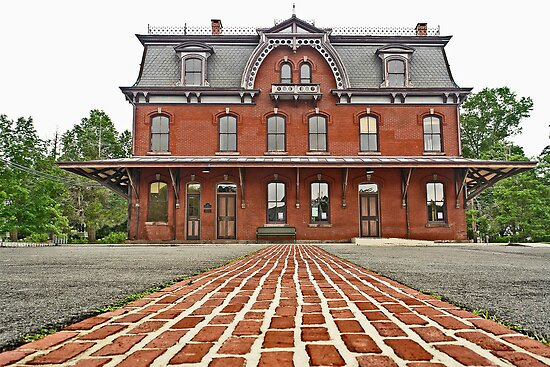 Hopewell Train Station by cclaude