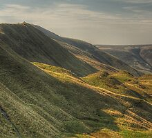 West Along The Ridge From Mam Tor by Mat Robinson