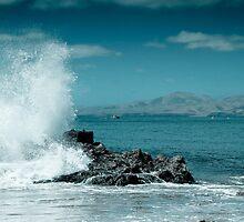 Splash on the rocks by BlaccnWhite