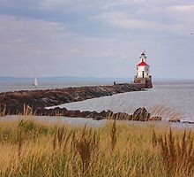 Lighthouse on Wisconsin Point by by M LaCroix